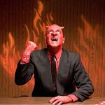 Ördögszarvas, piros férfi öltöznyben