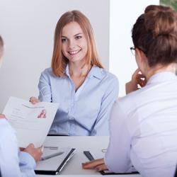 Hogyan írnák le Önt a kollégái? – Ezt feleld erre az állásinterjú kérdésre!