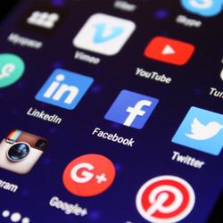 Álláskeresés a közösségi oldalak segítségével