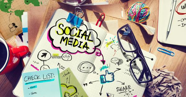 A közösségi oldalak szerepe az Énmárka kiépítésében