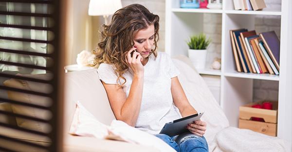 A munkaidőd után is jönnek az emailek és csörög a céges telefonod?