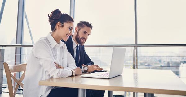 Hogyan illeszkedj be egy új munkahelyre aktív vezetői támogatás nélkül?