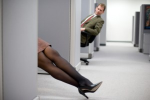 mit viseljen egy nő a munkahelyen